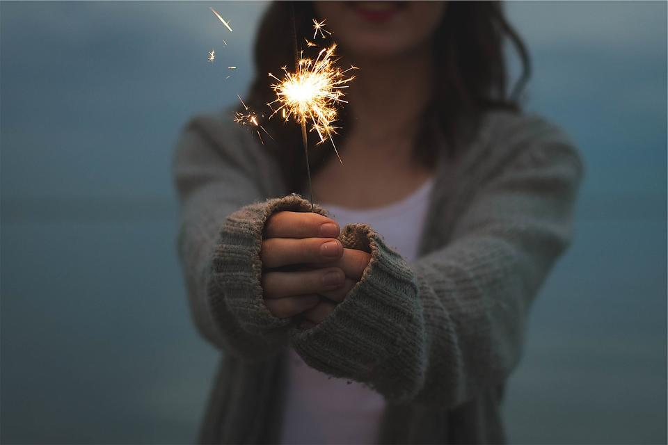 Sparklers, Fireworks & Kids Do Not Mix; Here's What to Give Them Instead!