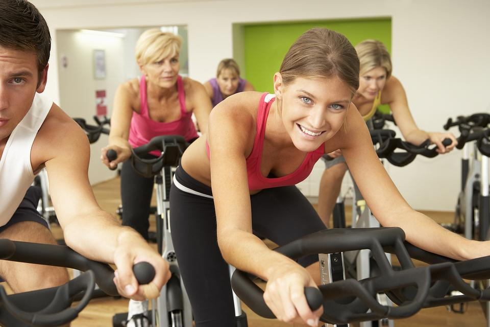 Spinning: 6 Reasons to Add a Spin Class to Your Workout Routine!