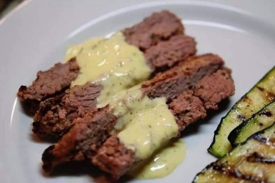 15-Minute Steak With Mustard-Shallot Sauce Recipe: 4-Ingredient Sirloin Steak Recipe With a Tangy Mustard Sauce