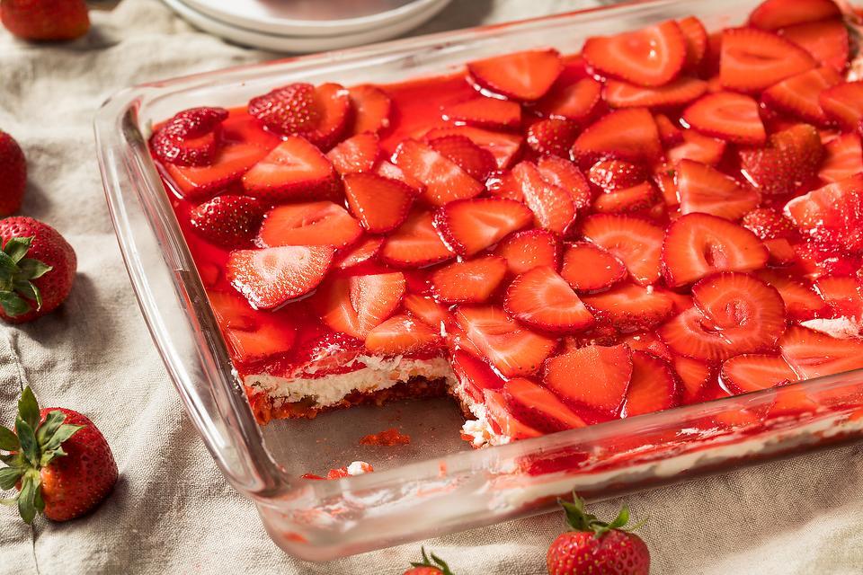 Cool Summer Dessert Recipe: This Layered Strawberry Pretzel Salad Recipe Is the Best Kind of Salad