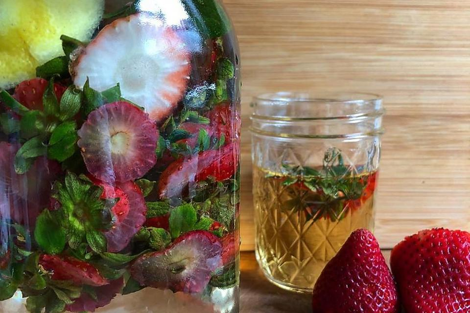 Maximize Those Strawberries & Reduce Food Waste With These Flavor-Infusion Tips!