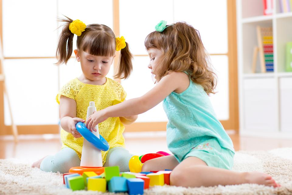 Stress-free Play: Keep Kids From Being Overstimulated With This Parenting Trick!