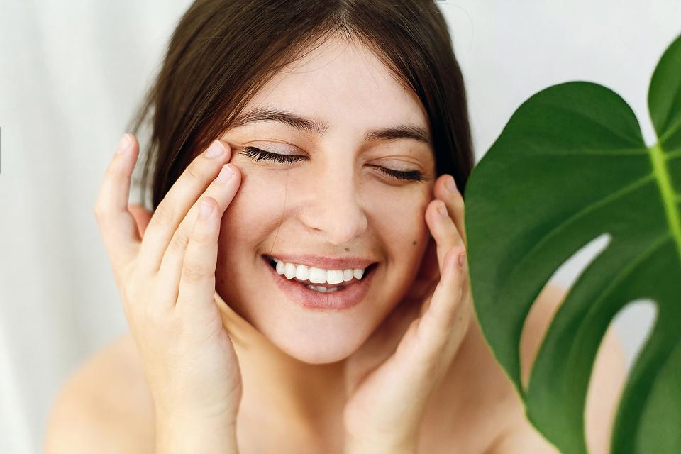 Skin Damage: 5 Ways to Rescue Sun-Damaged Skin & Keep It Healthy