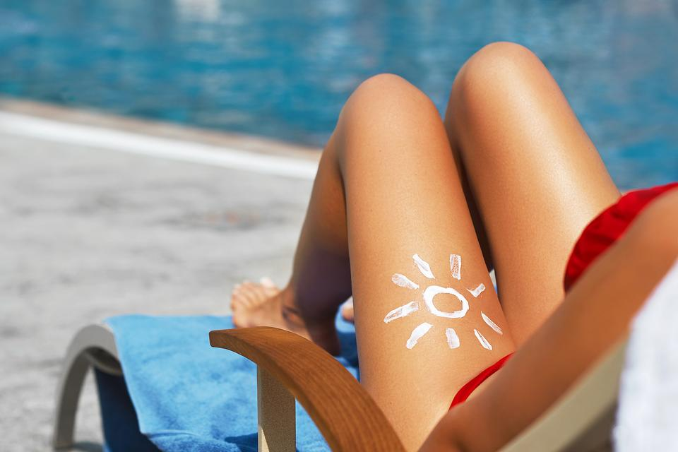 Sunburn Tattoos: Plastic Surgeon Warns This Trend Could Be the Worst Viral Challenge Ever