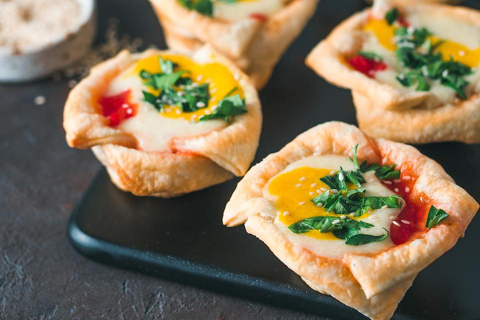 Easy Egg Cups Recipe: Fun Sunday Morning Puff Pastry Baked Egg Breakfast Cups
