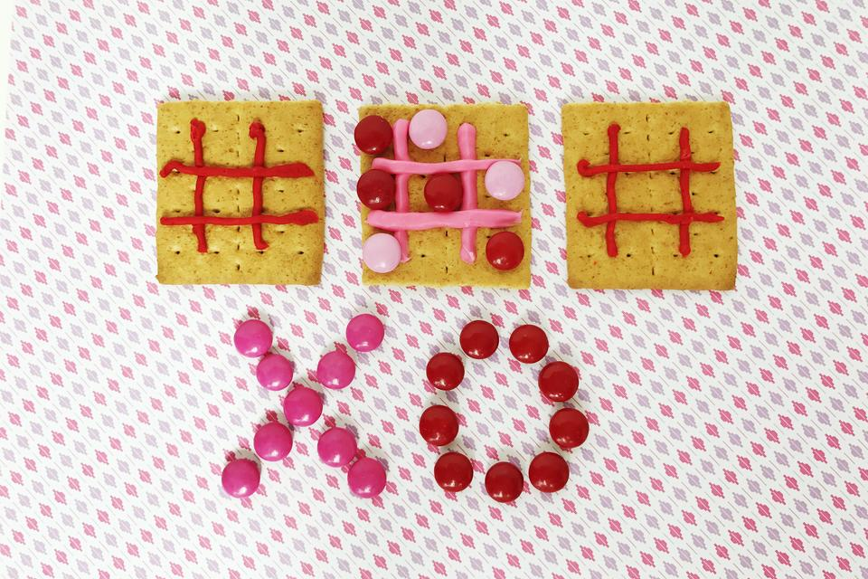 Super Fun DIY Valentine's Day Graham Cracker Game for Kids
