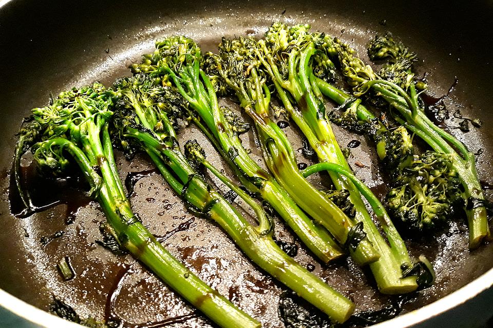Sweet Soy Broccolini Recipe: This Easy Soy-Glazed Broccolini Recipe Is Simply Delish
