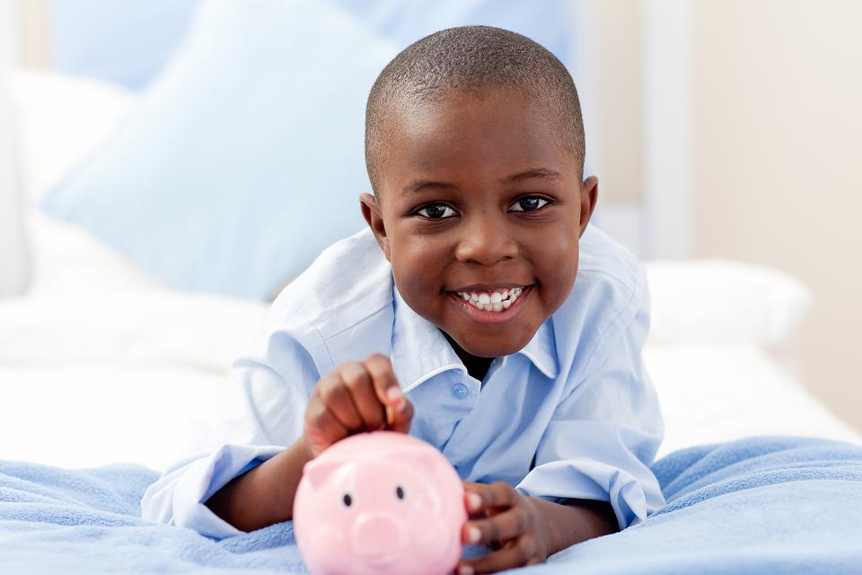 Teach Kids the Right Lessons About Money: Here Are 7 Ways to Do It!