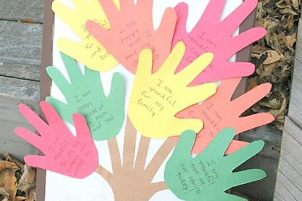 Teaching Thankfulness: Fun Gratitude Activities for Kids to Make!