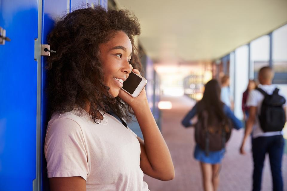 Teenagers Resist Talking on the Phone, But There's Hope! Try This!