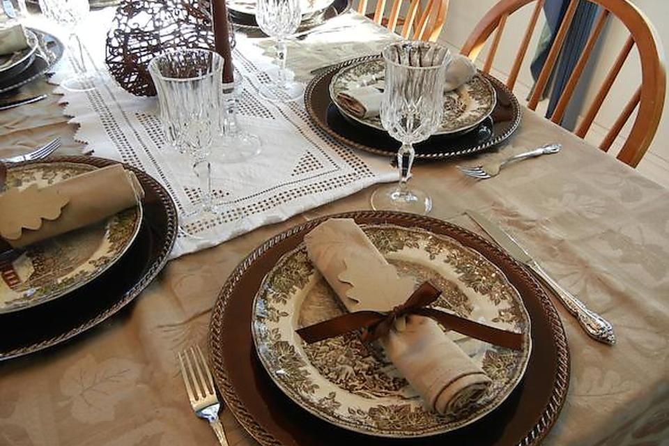 Thanksgiving DIY Decorations: Table Setting Idea From Pottery Barn Kids!