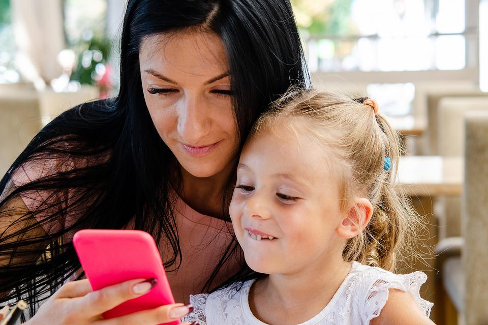 """The American Speech-Language -Hearing Association's """"Identify the Signs"""" Campaign Helps Families Get Educational Texts About Communication Development"""