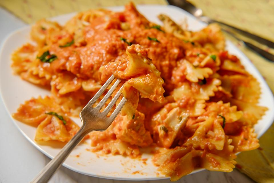 The Easiest Vodka Sauce Recipe: This 5-Ingredient Vodka Sauce Recipe Is Remarkably Rich & Creamy