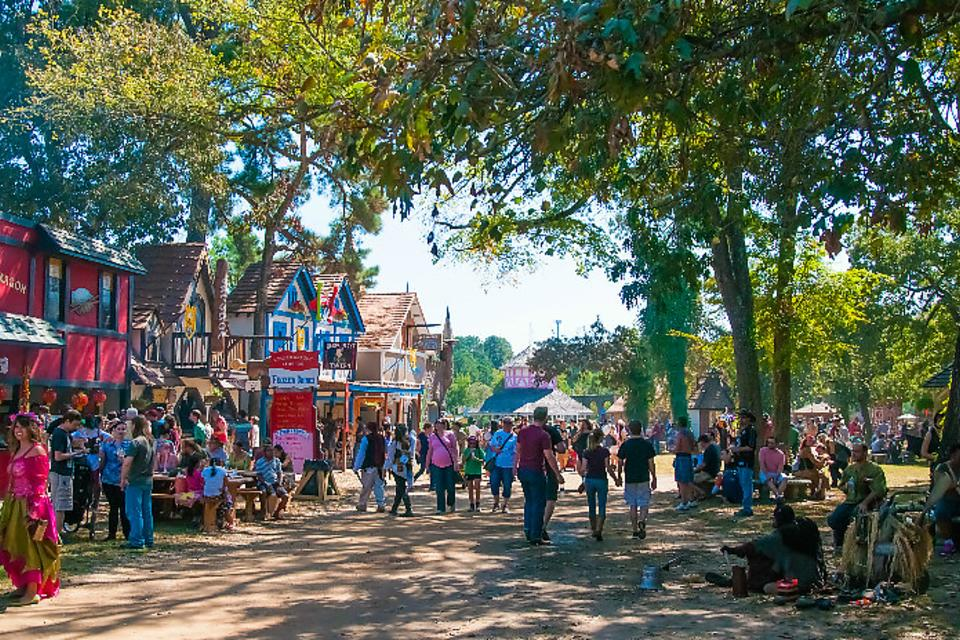 The Texas Renaissance Festival Is Texas-Sized Medieval Fun for Families!
