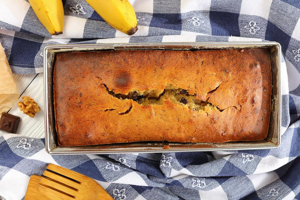 This Banana Date Pecan Bread Recipe Is Naturally Sweet (No Refined Sugar!)
