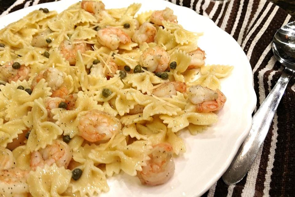 This Easy Lemon Butter Shrimp & Capers Bowtie Pasta Recipe Is So Much Yum!