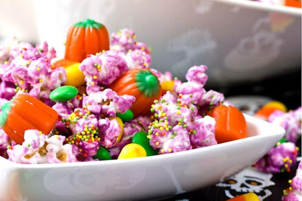This Halloween Popcorn Mix Is a Colorful Snack for Trick-or-Treaters