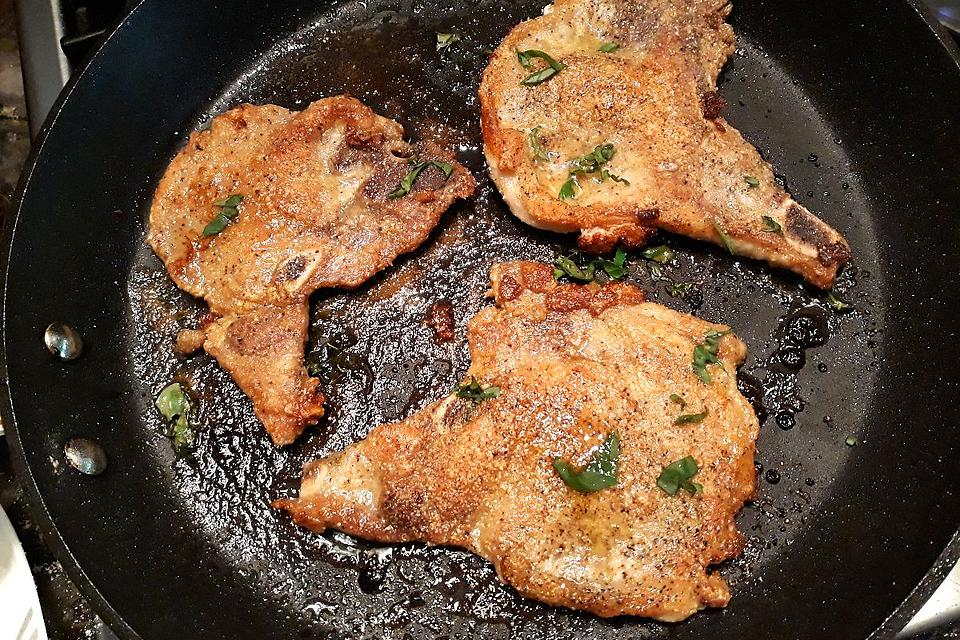 Easy Pork Recipes: This Quick Pan-fried Thin Pork Chops Recipe Gets You Out of the Kitchen Fast