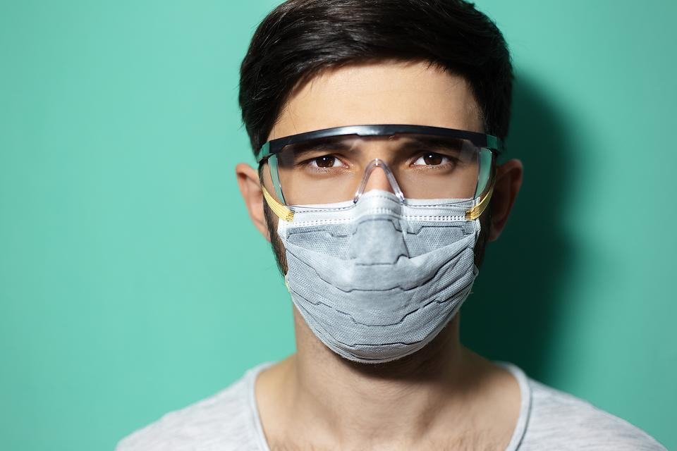 Best Safety Goggles: 15 Best-selling Safety Glasses & Goggles to Use As PPE During the Coronavirus Pandemic