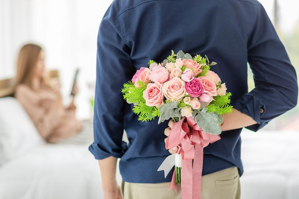 Floral Decorating Ideas for Parties: Unique Ways to Decorate Your Anniversary Party With Flowers & Bouquets