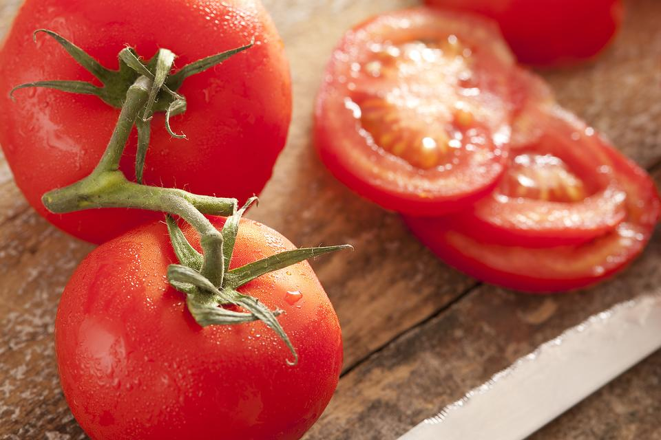 Unripe Tomatoes: Try This Hack for Those Tomatoes That Didn't Ripen on the Vine