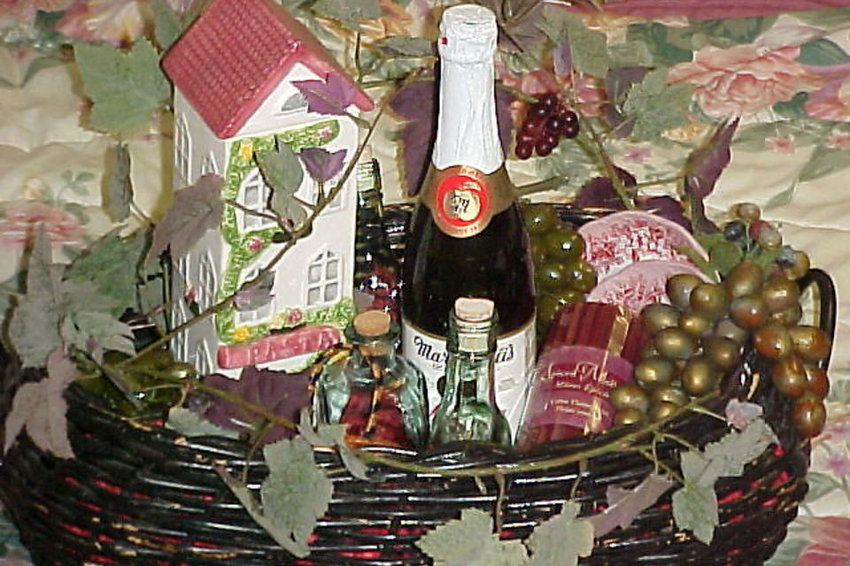 Upcycled Gift Baskets: How to Show Someone You Care With a Basket of Cheer!
