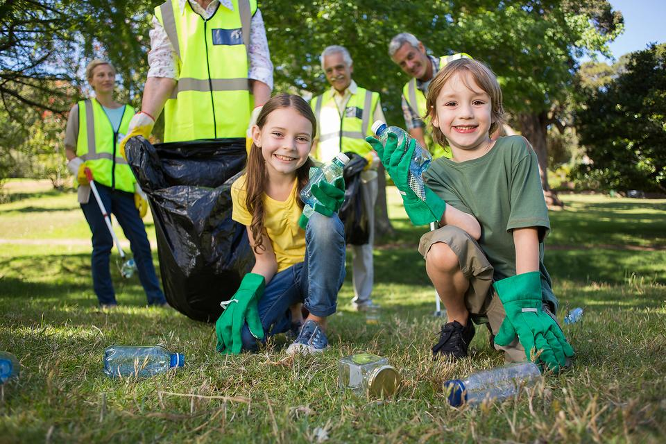 Volunteering: Here's Why It's a Gift to Your Community & Your Family!