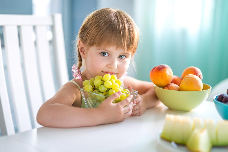 Want Your Kids to Eat More Fruit? Try This Time-Saving Lunchbox Tip!