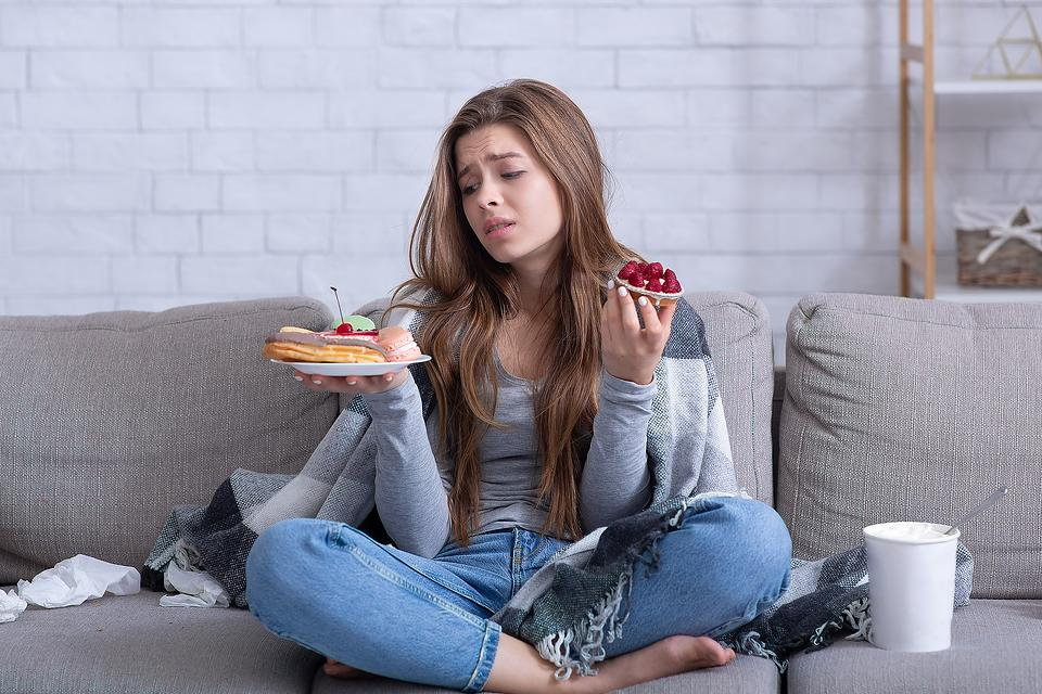 Want to Try Intuitive Eating? 7 Steps to Address Emotional Eating First