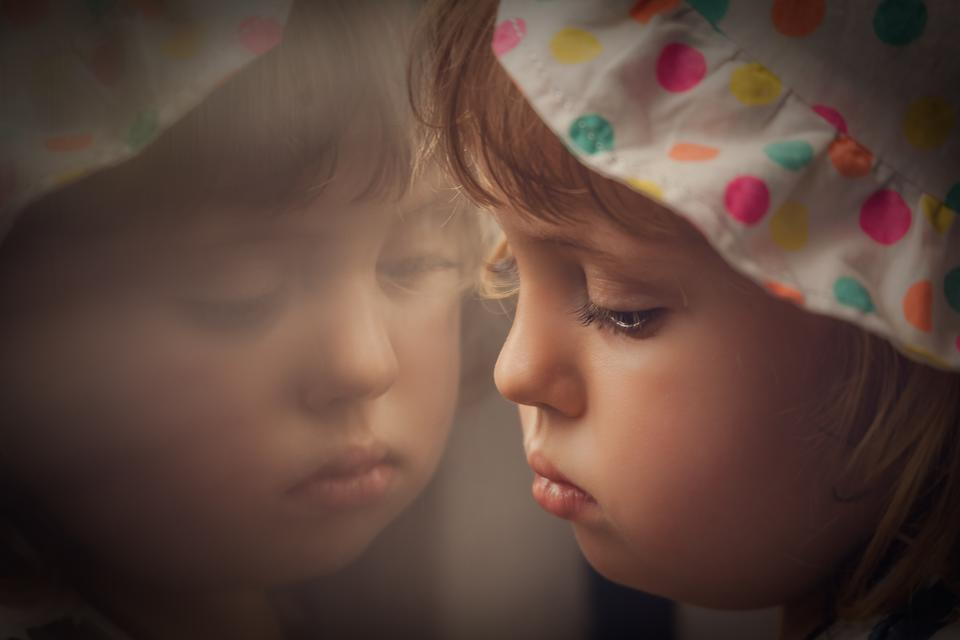 Kids & Grief: 5 Ways to Help a Grieving Child Express Their Feelings