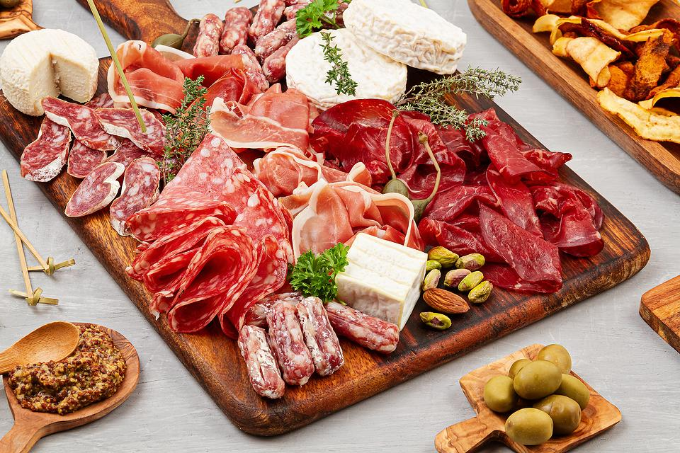 Wine & Cheese Boards: How to Make a Mind-blowing Charcuterie Board in 6 Steps