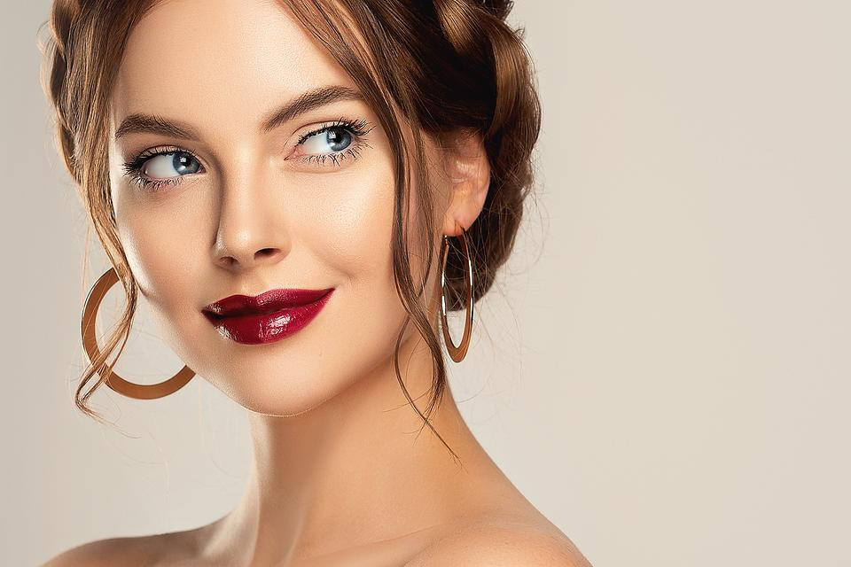 Wine Lipstick: Wine Is Good for the Heart – & Looks Great on Your Lips, Too!