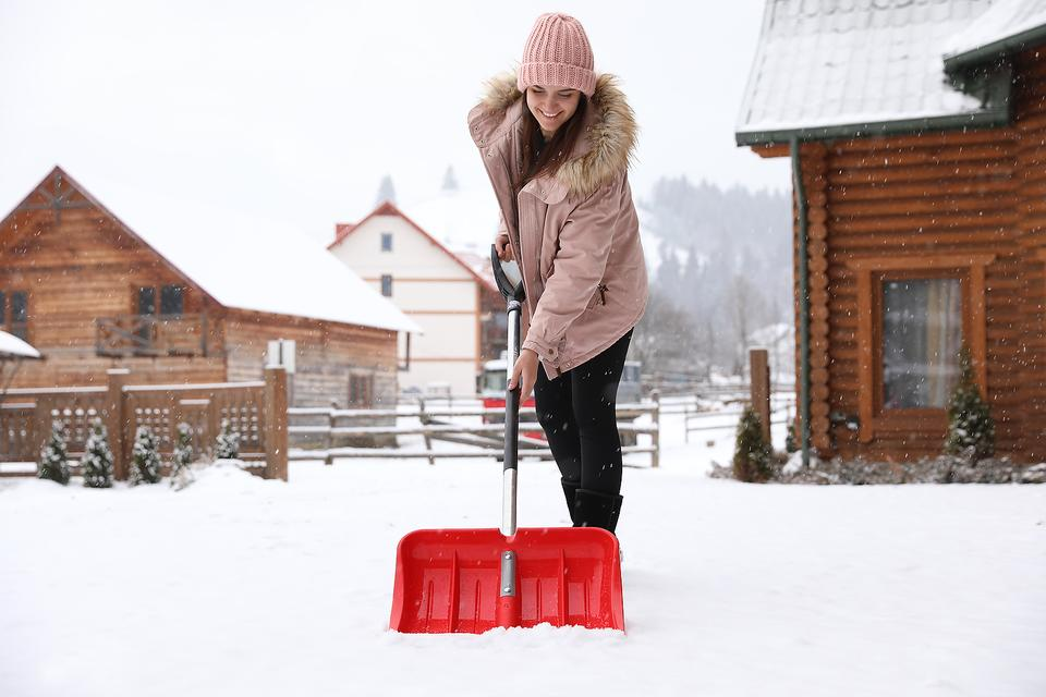 Winter Health Hazard: How to Take Care of Your Heart & Back While Shoveling Snow