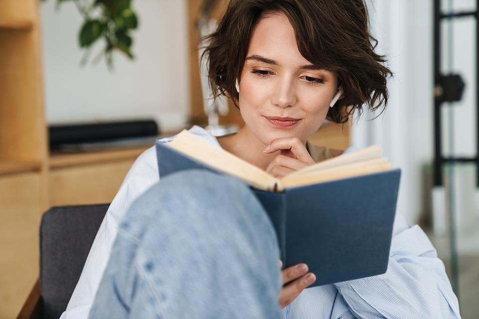 Women, Entrepreneurship, Leadership & Business: 15 Books Every Woman Needs in Her Office