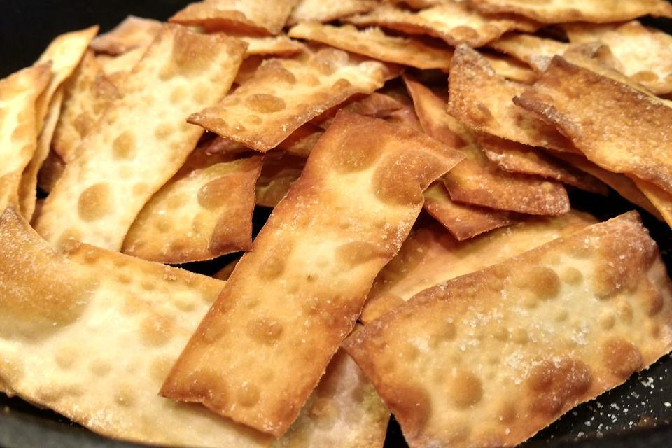 Wonton Chips: Put Some Wonton Wrappers in the Oven & Watch the Magic