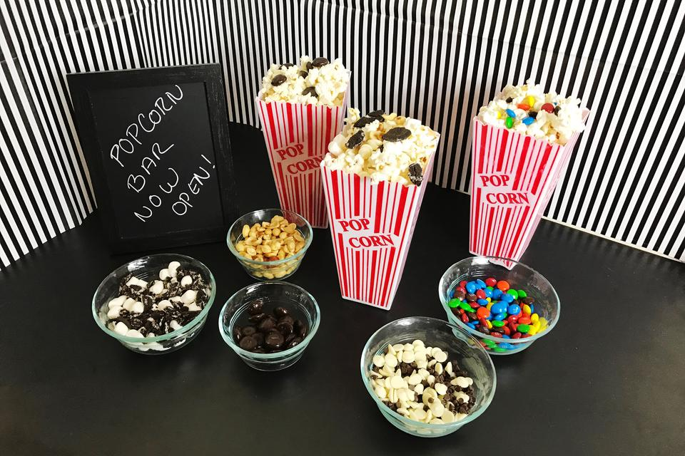 The Academy Awards™: Wow Guests With This Easy Oscar-Worthy DIY Popcorn Bar!