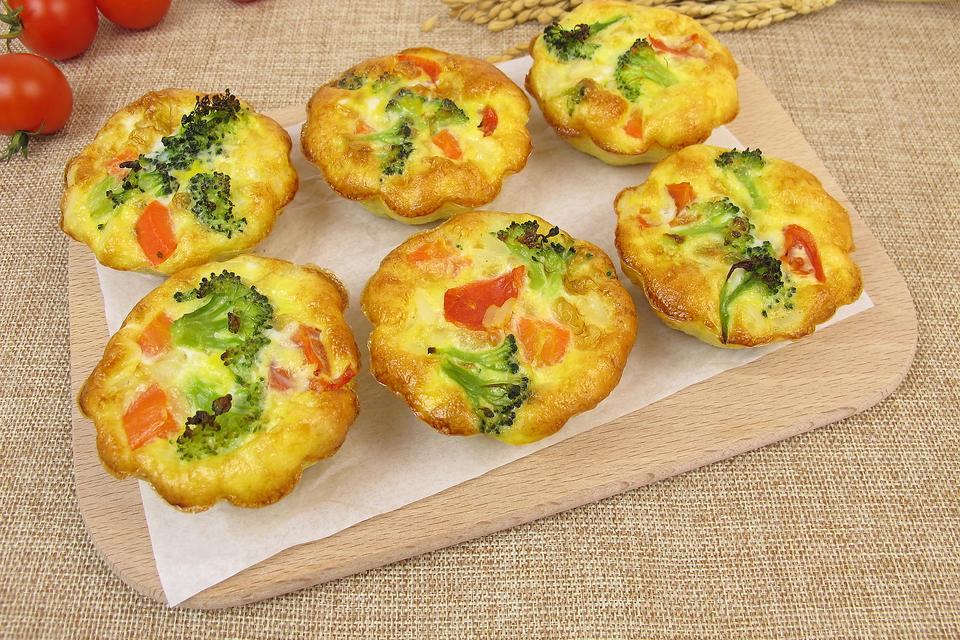 You Do Have Time for Breakfast: How to Make Individual Veggie Frittatas!