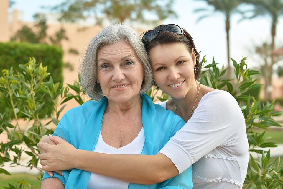 Your Mother Has Alzheimer's: You Don't Have to Go It Alone!