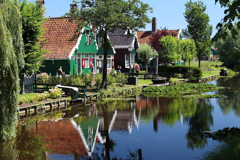 Zaanse Schans: Take a Trip Back in Time By Visiting This Historic Village in The Netherlands