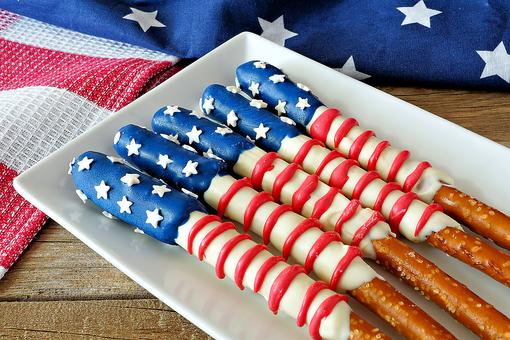 10 Patriotic Desserts & Snacks for July 4th That Require Minimal Effort