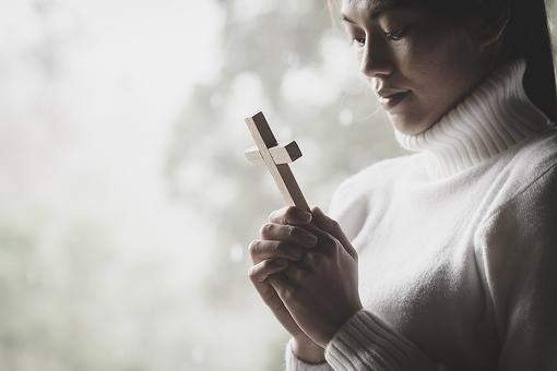 15 Thoughtful Gifts for Lent: Surprise That Special Christian in Your Life