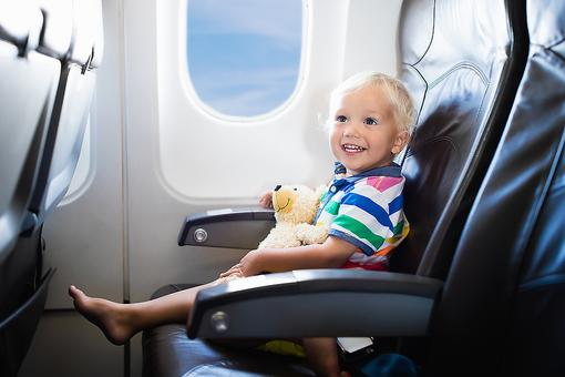 Air Travel With Kids: 3 Tips for Surviving Flying With Little Ones!