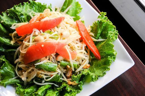 Thai Green Papaya Salad Recipe: Learn How to Make Som Tam With a Thai Chef