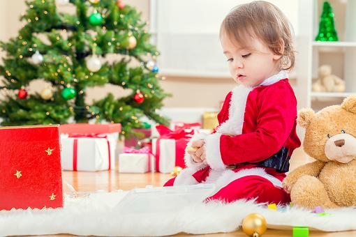 4 Fun & Interactive Holiday Activities for Families With Toddlers!