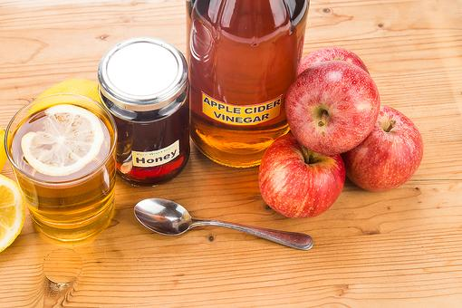 4 Reasons Why Apple Cider Vinegar is the Bomb & How to Drink It!