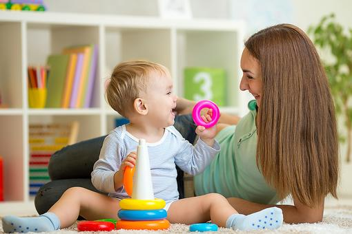 "Sitter Savvy: 4 Tips to Make Sure Your Babysitters Say ""Yes"" When You Ask Them Back!"