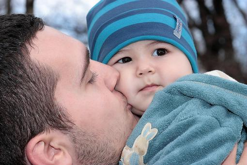 4 Ways Kids Benefit From an Involved Dad & How Moms Can Support It!
