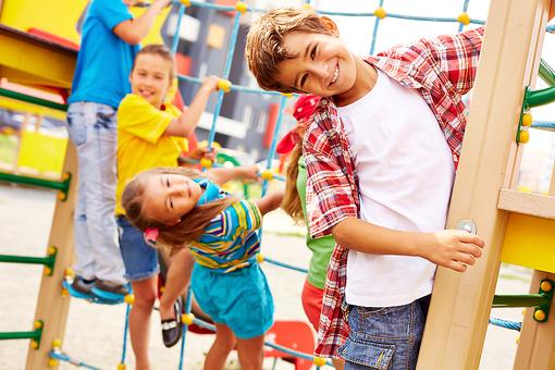 4 Ways to Encourage Your Kid to Make New Friends & Help Prevent Bullying!