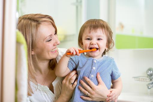 4 Ways to Get Your Child's Teeth Cleaner From a Pediatric Dentist!
