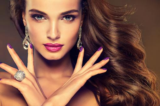 Chipped Nail Polish Is No Fun! 5 Simple Steps to a Flawless Manicure